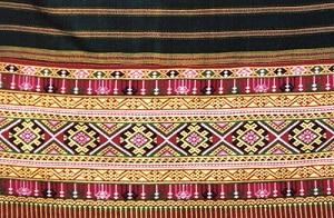 Chok Fabric features ลายผ้าซิ่นจก