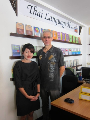 Teaching and English Student the Thai Language Online