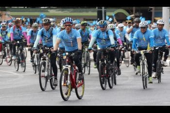 King Rama X Cycling Promoting Good Health to the Thai People | Thai Culture